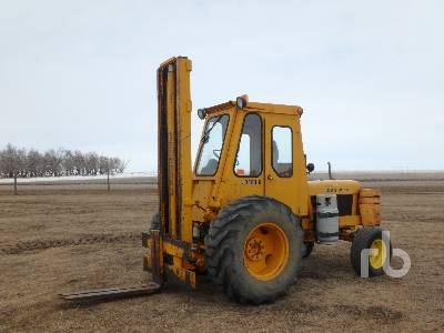 JOHN DEERE JD480-B 2500 Lb Forklift