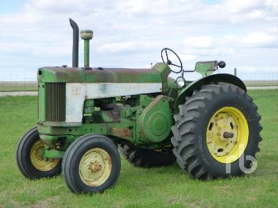 1959 JOHN DEERE 730 2WD Antique Tractor