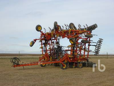 1996 BOURGAULT 8800 52 Ft Air Drill