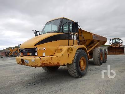 2002 CATERPILLAR 725 6x6 Articulated Dump Truck