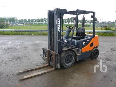 DOOSAN D30S Forklift