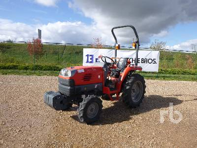 KUBOTA STV32R 4x4 Tracteur Utilitaire 4WD Utility Tractor