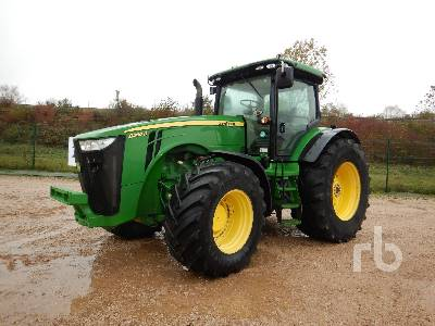 2014 JOHN DEERE 8260R 4WD Agricultural Tractor MFWD Tractor