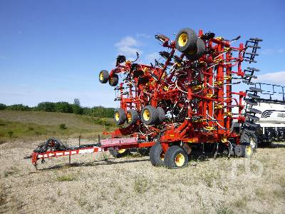 2012 BOURGAULT 5810 72 Ft Air Drill