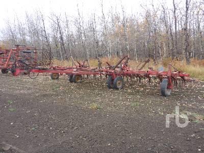 VERSATILE 30 Ft Cultivator