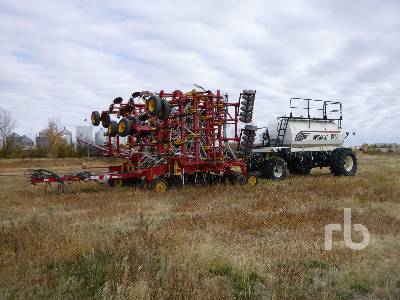2007 BOURGAULT 5710 Series II 50 Ft Air Drill