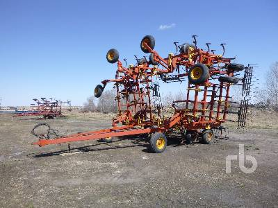 BOURGAULT 546-52 48 Ft Cultivator