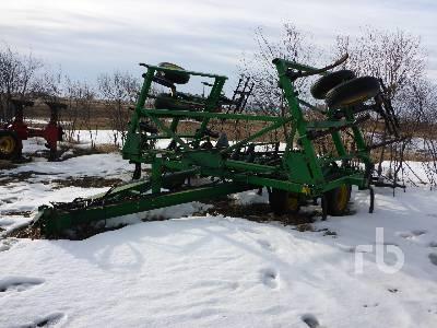 1990 JOHN DEERE 610 25 Ft Deep Tillage Cultivator