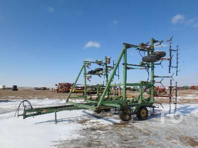 JOHN DEERE 1600 35 Ft Cultivator