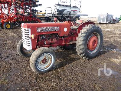 INTERNATIONAL B275 2WD Antique Tractor