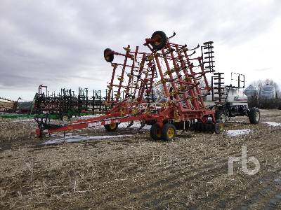 BOURGAULT 5710 SERIES II 40 In. Air Drill