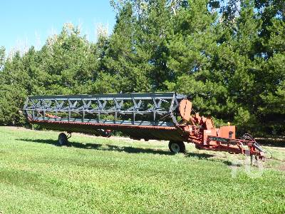 1993 CASE IH 8230 30 Ft Pull Type Swather