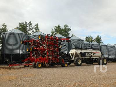 2012 BOURGAULT 3320PHD 66 Ft Air Drill