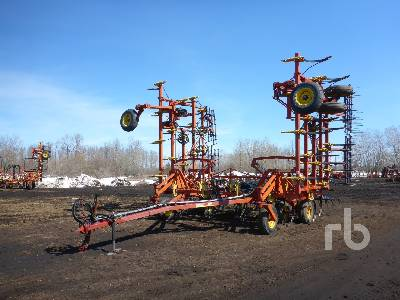 BOURGAULT 8800-36 40 Ft Cultivator