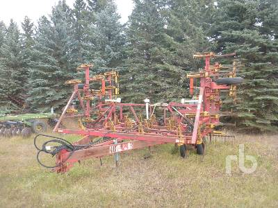 1979 BOURGAULT 2630 30 Ft Cultivator