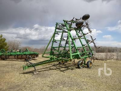 JOHN DEERE 610 41 Ft Cultivator