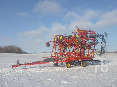 2015 BOURGAULT 9400 60 Ft Cultivator