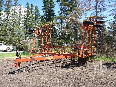 1994 BOURGAULT 6800 40 Ft Field Cultivator