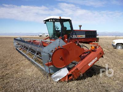 1999 HESSTON 8110S 30 Ft Swather