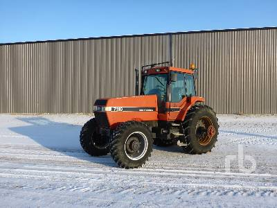 1989 CASE IH 7110 MFWD Tractor
