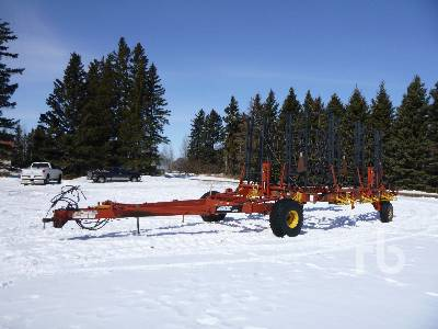 2002 BOURGAULT 7200 48 Ft Heavy Harrows
