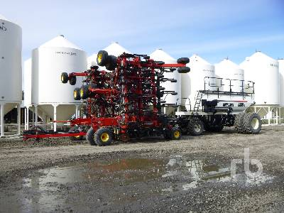 2010 BOURGAULT 3310 65 Ft Air Drill