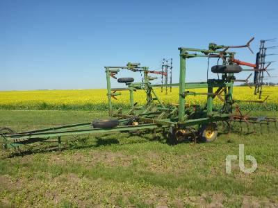 JOHN DEERE E1600 27 Ft Cultivator