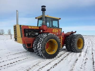 VERSATILE 895 4WD Tractor