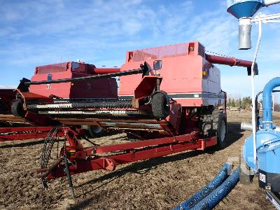 1982 INTERNATIONAL 1482 Pull Type Combine