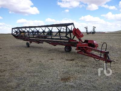 CASE IH 730 30 Ft Pull Type Swather