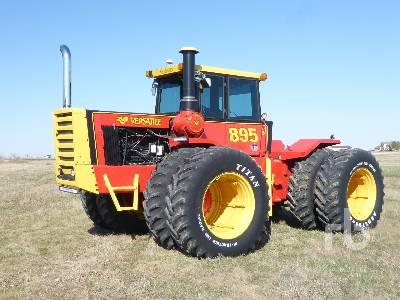 1981 VERSATILE 895 4WD Tractor