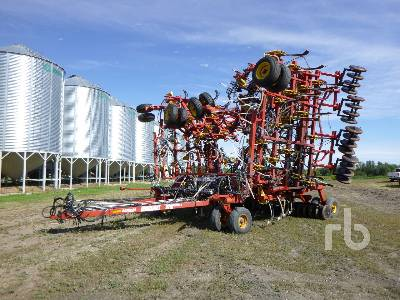 2004 BOURGAULT 5710 SERIES II 59 Ft Air Drill