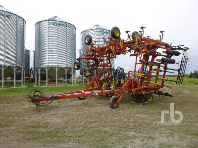 1996 BOURGAULT 9200 48 Ft Cultivator