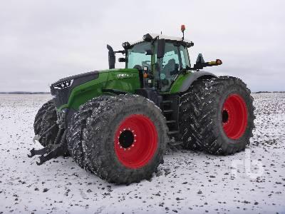 2017 FENDT 1050 MFWD Tractor