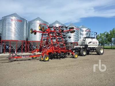 2019 BOURGAULT 3320PHD 40 Ft Air Drill