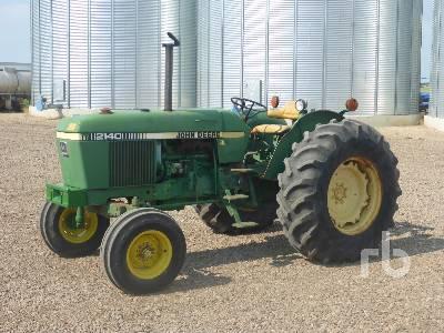 1980 JOHN DEERE 2140 2WD Tractor