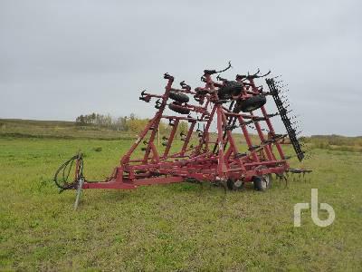 CASE IH 4800 30 Ft Cultivator