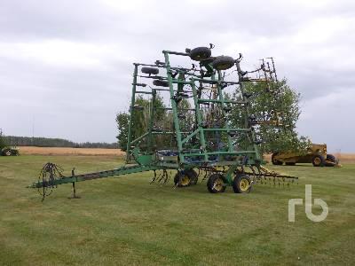 JOHN DEERE CHISEL PLOW 41 Ft Cultivator