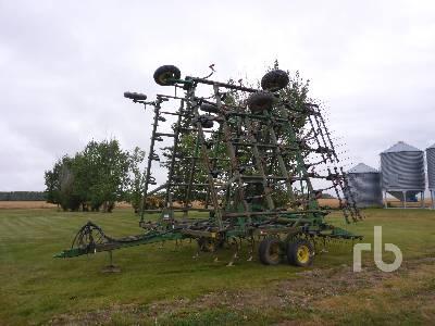 JOHN DEERE 42 Ft Field Cultivator