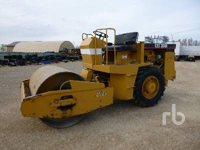 CATERPILLAR RAYGO RUSTLER 304A Single Drum Vibratory Roller