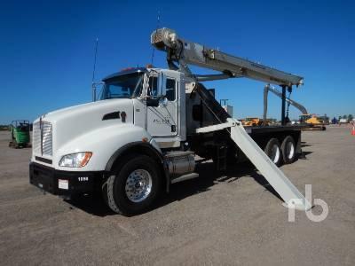 2013 KENWORTH T400 T/A w/National 690E2 20 Ton Boom Truck