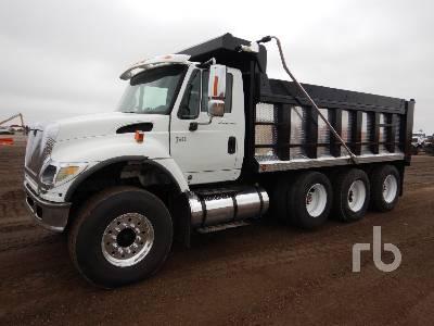 2006 INTERNATIONAL 7600 Dump Truck (Tri/A)