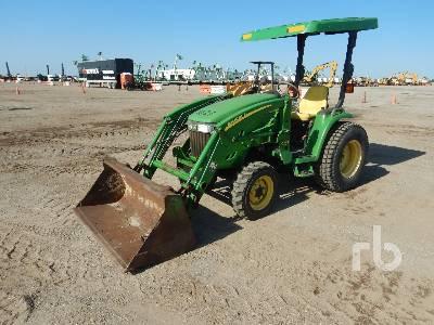 2006 JOHN DEERE 3520 Utility Tractor