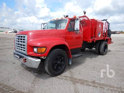 1998 FORD F700 Fuel & Lube Truck