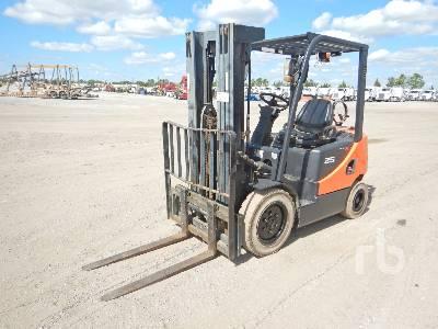 2010 DOOSAN G25E-5 4600 Lb Forklift