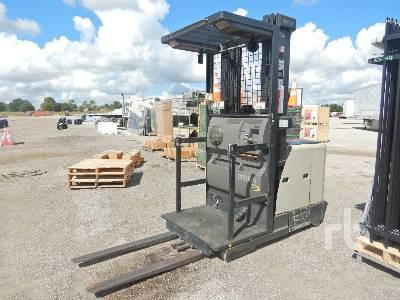 CROWN SP3400 3400 Lb Order Picker Electric Forklift