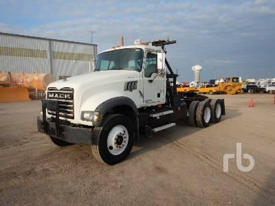 2010 MACK GU713 T/A Winch Tractor