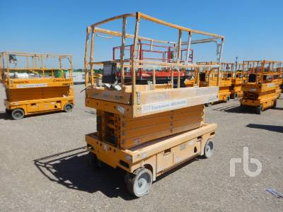 HAULOTTE COMPACT 3347E 32 Ft Electric Scissorlift