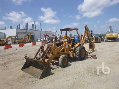CASE 580E Loader Backhoe