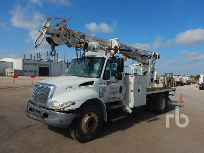 2006 INTERNATIONAL 4300 S/A w/Terex C4047 Digger Derrick Truck